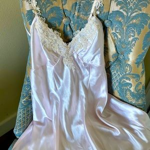 Vintage nightgown pale pink with floral lace trim
